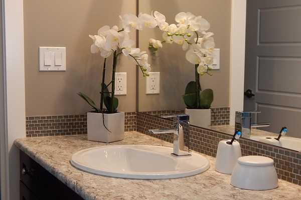установка раковины в ванной