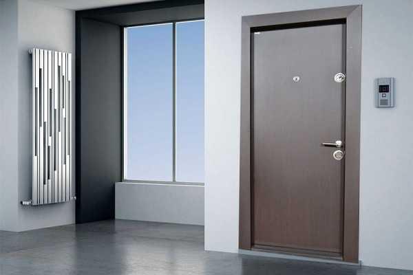 Установка входных металлических дверей